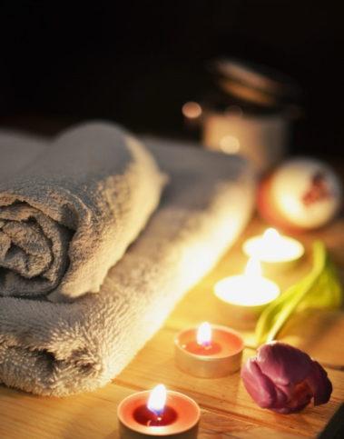 massage-therapy-1584711_1920-678x1024